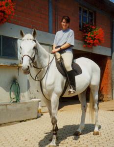 Ein Pferd ohne Reiter bleibt ein Pferd. Ein Reiter ohne Pferd ist nur noch ein Mensch.